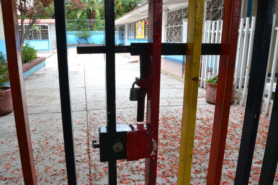 Escuela Cerrada