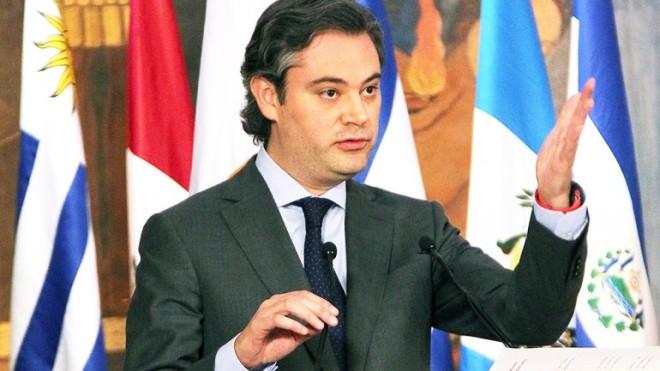Aurelio Nuño M