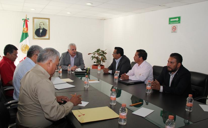 Se reune Bolaños Cacho con abogados de laMixteca