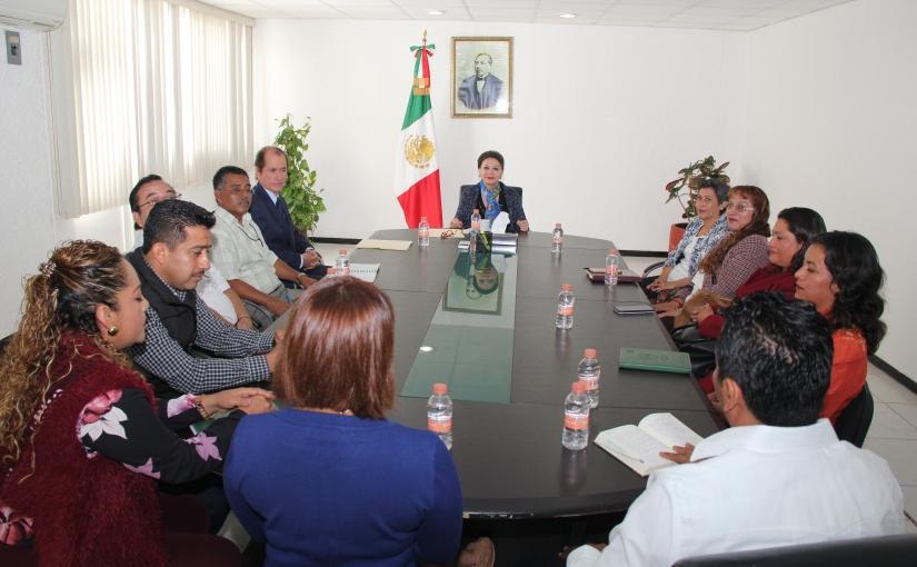 Reunión cordial entre Magistrada Villanueva y dirigentessindicales