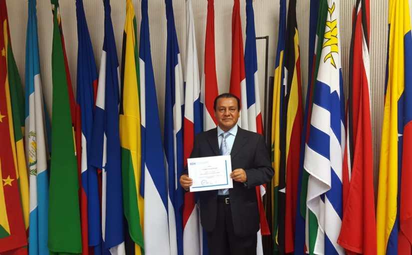 Magistrado Carmona Castillo asiste a curso decapacitación