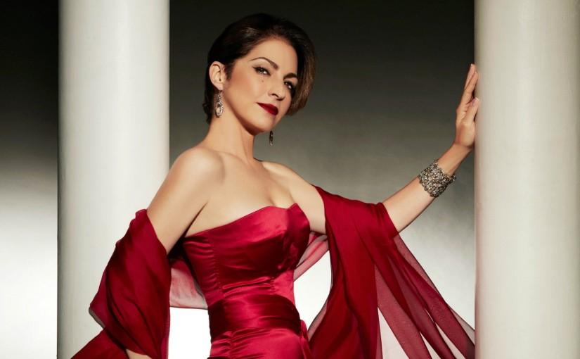 Celebremos a Gloria Estefan cantando enespañol